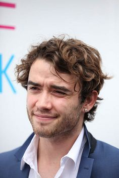 Jamie Blackley Height, Weight, Biceps Size, Body Measurements