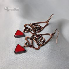 Hammered copper earrings with triangle Czech glass bead - pinned by pin4etsy.com