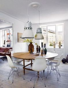 Eames Chair Dining Tablewhite Eames Chairs And Round Dining Table Pfnqclpb