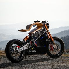 Part Art Part Design and all performance, the E-Raw Electric Motorcycle built by Essense Motocycles is simply stunning in our eyes. Motorcycle Design, Motorcycle Style, Motorcycle Outfit, Bike Design, Concept Motorcycles, Cool Motorcycles, E Motor, Harley Bikes, Moto Bike
