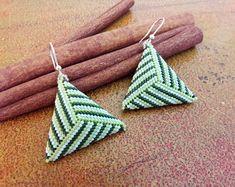 Green woman earrings//triangle earrings//striped earrings//gift ideas for her Seed Bead Earrings, Unique Earrings, Beaded Earrings, Triangle Earrings, Beaded Jewelry Designs, Handmade Jewelry, Diy Necklace, Bead Crafts, Earrings