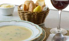 Aprenda a fazer uma receita clássica de sopa de palmito: Prato é um dos mais famosos da Confeitaria Colombo