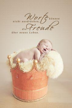 Neugeborene, Baby Foto, Neues Leben, Kinder- & Familien Fotografie, Newborn Photography, baby posing, newborn posing, baby slip in basket