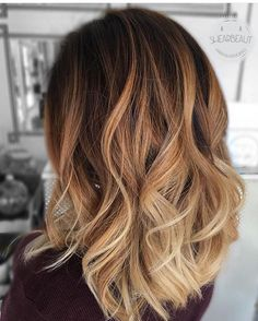 ombre haar This melt and Balay are by the talented shearbeaut! Show some love! Onbre Hair, Honey Blonde Hair, Brown Blonde Hair, Brunette Hair, Blonde Balayage Honey, Balayage Hair Caramel, Caramel Hair, Fall Balayage, Brown Balayage