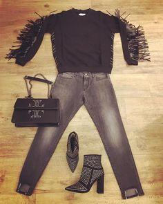 Outfit Shop online www.eclataccessori.com Ordini WhatsApp 3476326021 #gaelleparis #unlace #luxuryshoes #follow #follow4follow #like4like #love #rocker #rock #style #super #goodwibes #instapic #instarock #instashop #instagood