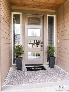 Classic spring porch decor with layered rugs and boxwood planters Rustic Entryway, Entryway Decor, Decorating Blogs, Porch Decorating, Rustic Style, Farmhouse Style, Bathroom Vanity Makeover, Front Door Decor, Front Porch