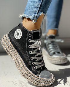 Leopard Rivet Embellished Lace-Up Sneakers - Mode - Damenschuhe Yeezy Sneakers, Sneakers Mode, Casual Sneakers, Sneakers Fashion, Fashion Shoes, Casual Shoes, Shoes Sneakers, Women's Shoes, Leopard Sneakers