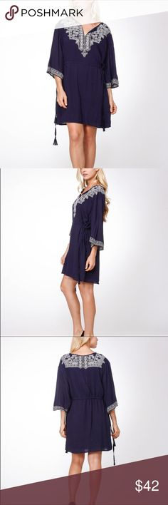 🚪CLEAR OUT🚪Beautiful Embroidered Tunic Beautiful Navy blue tunic with embroidered detail in white!!  It's light and airy and perfect for spring and summer☀️☀️☀️ Moon Collection Dresses Mini