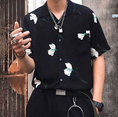 men's street style outfits for cool guys Korean Fashion Men, Fashion Mode, Boy Fashion, Mens Fashion, Fashion Outfits, Men's Street Fashion, Fashion Usa, Queer Fashion, Floral Fashion