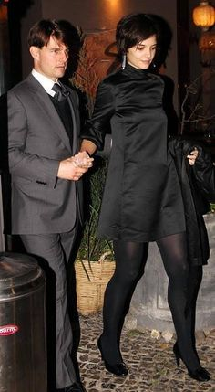 Pantyhose Outfits, Black Pantyhose, Black Tights, Opaque Tights, Cozy Fashion, Katie Holmes, Celebs, Celebrities, Actresses