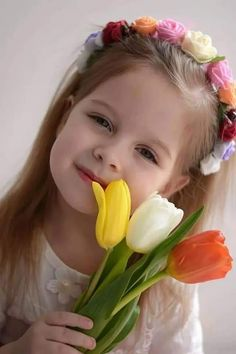 Precious Children, Beautiful Children, Baby Pictures, Cute Pictures, Cute Kids, Cute Babies, Laughing Face, Girls Frock Design, Girls With Flowers