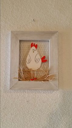 Décoration Pâques Wooden Crafts, Diy And Crafts, Arts And Crafts, Happy Easter, Easter Bunny, Easter Table Settings, Chicken Art, Painted Boards, Creative Activities