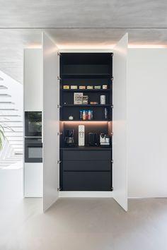 Mini Kitchen, Open Plan Kitchen, Kitchen Pantry, Kitchen Storage, Kitchen Appliances, Home Decor Kitchen, Kitchen Interior, Home Kitchens, Kitchen Organisation