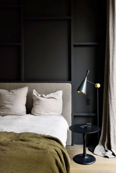 Bedroom design black wall and green bedding in moody modern bedroom. Bedroom Sets, Home Decor Bedroom, Bedroom Furniture, Design Bedroom, Bedroom Office, Wooden Furniture, Furniture Design, Bedroom Retreat, Bedroom Flooring