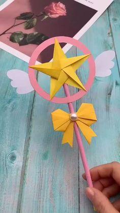 Paper Flowers Craft, Paper Crafts Origami, Paper Crafts For Kids, Diy Paper, Origami Flowers, Diy Crafts Hacks, Diy Crafts For Gifts, Diy Arts And Crafts, Creative Crafts