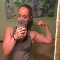 Mírate al espejo, imagínalo y hazlo realidad 💪🏼💪🏼. . #retoabajoelflotador MODO ON👊🏻. Buenas noches😇. . #motivacionbyfranita #healthyfranita #healthylifestyle #sepuede #training #instagram #instafitness #follow #followme #nopainnogain #fitness