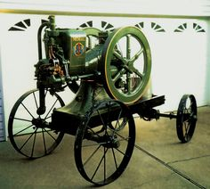 A 1918 10 HP IHC Mogul is restored piece by piece by a collector.