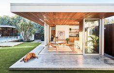 Shelley Craft's Byron Bay home has a clever garden studio Australian Garden, Australian Homes, Ikea Garden Furniture, Backyard Studio, Concrete Houses, The Design Files, Outdoor Living, Outdoor Decor, Indoor Outdoor