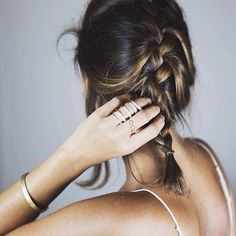 How do people do this make things look messy but so tumblr and pintristy when I make a messy bun it looks like a nest