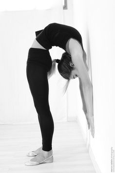 I want to get really into yoga, and be able to do this kind of stuff. Yeah that'd be cool........:)