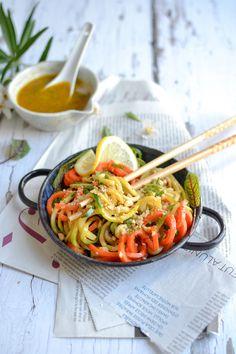 Wok de nouilles de légumes à l'asiatique Sweet Recipes, Vegan Recipes, Juliette, Junk Food, Pasta Dishes, Breakfast Recipes, Food Porn, Food And Drink, Japchae