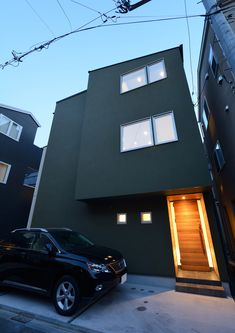 CASE403 オリーブグリーンな家 Olive Green, Home Decor, Decoration Home, Room Decor, Home Interior Design, Home Decoration, Interior Design