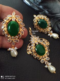 Gold Rings Jewelry, Gold Jewelry Simple, Trendy Jewelry, Simple Necklace, Gemstone Jewelry, Gold Necklace, Jewellery Designs, Necklace Designs, Polki Sets