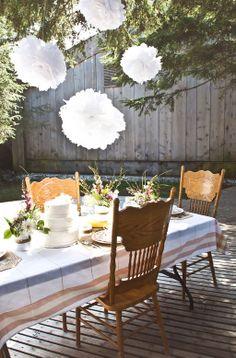 Vintage Inspired Shabby Chic Backyard Wedding | Photograph by Stefania Bowler Photography  http://www.storyboardwedding.com/vintage-shabby-chic-backyard-wedding/