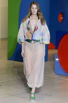 See the complete Ginger & Smart Australia Resort 2018 collection.
