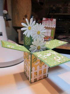 Tanya Bell has a tutorial out that gives directions to make the Pop Up Card in a Box but in a smaller size! Step Cards, Diy Cards, Your Cards, Craft Cards, Card In A Box, Pop Up Box Cards, Card Boxes, Tarjetas Stampin Up, Stampin Up Cards