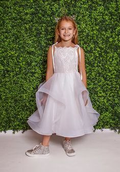 La Petite by Hayley Paige 5825-Lillian Ivory Flower Girl Dress Flower Girl Outfits, Ivory Flower Girl Dresses, Flower Girls, Bridal Gowns, Wedding Gowns, Wedding Attire, Wedding Bridesmaids, Hayley Paige Bridal, Ivory Lace Top