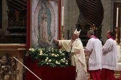 El Papa Francisco obsequió una corona a la Virgen de Guadalupe y la bendijo durante la Misa en la Basílica dedicada a ella en su honor.
