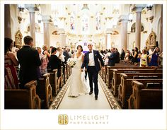 Sacred Heart Catholic Church, bride and groom, wedding, aisle, gold, glamour, Limelight Photography, www.stepintothelimelight.com