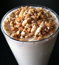 Weight Watchers Vanilla Banana Smoothie topped with Kashi GoLean Crunch Cereal! 3 PointsPlus!