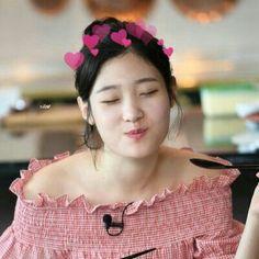 Kpop Girl Groups, Korean Girl Groups, Kpop Girls, Ioi Members, Jung Chaeyeon, Beautiful Asian Girls, Ulzzang Girl, Chara, Nayeon