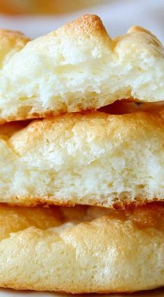 Recipe ~ Pillowy Light Cloud Bread 3 large eggs, separated 3 tablespoons cream cheese, room temperature ¼ teaspoon cream of tartar 1 teaspoon sweetener: