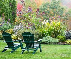 Learn how to orchestrate a garden that pops in autumn here: http://www.bhg.com/gardening/landscaping-projects/landscape-basics/fall-garden-design-lessons/?socsrc=bhgpin092815formulaforfallfireworks&page=2