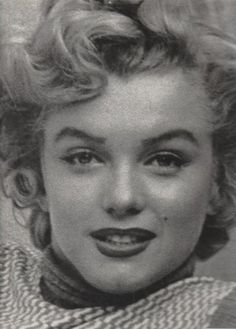 MARILYN, MON AMOUR: The private album of Andre de Dienes, her preferred photographer by Andre de Dienes