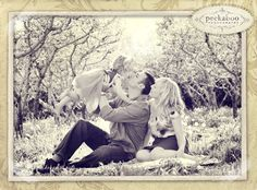 peekaboo photography - the most BEAUTIFUL use of color, textures and perfect family poses!!