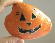 Painted shell with pumpkin. Cute idea.