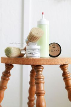 LOVE this BB Frosch Chalk Paint Powder, shop https://www.etsy.com/shop/lollyjane today! Click through for a great before/after and tips to use!