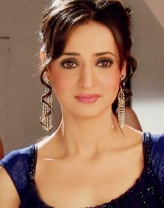 Beautiful and talented, Sanaya Irani started her career at the age Who is working in Hindi film and Television industry. Bollywood Girls, Bollywood Fashion, Indian Tv Actress, Indian Actresses, Arnav And Khushi, Cute Baby Girl Pictures, Drashti Dhami, Sanaya Irani, 2015 Hairstyles