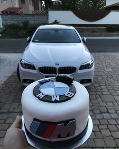 Sports Cars That Start With M [Luxury and Expensive Cars] – bmw Bmw Autos, Bmw Torte, Bmw Cake, Suv Bmw, Bmw Accessories, Bmw Girl, Bmw 535i, Bmw Classic Cars, Weekender