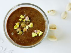 Chocolate chia smoothie 3 tablespoons ground chia seeds  4 tablespoons hemp protein powder 2 bananas, frozen 1 cup cold almond milk 2 tablespoons cacao powder a few drops stevia a few chopped pistachios