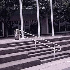 Sociolatte: Skateboarder goes for a dip [Gif]
