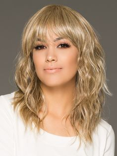 Wave cut by hairdo in golden wheat medium blonde streaked with pale Haircuts With Bangs, Wigs With Bangs, Layered Haircuts, Wavy Mid Length Hair, Blonde Streaks, Gold Blonde, Blonde Highlights, Medium Hair Styles, Long Hair Styles