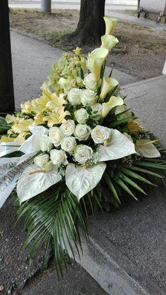 Sympathy Flowers, Funeral Flowers, Ikebana, Altar, Flower Arrangements, Floral Wreath, Wreaths, Composition, Decor