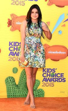 """The """"Modern Family"""" actress's colorful floral print dress was perfectly springy."""