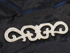 WHITE WOODEN SCROLL DESIGN PEDIMENT WALL DECOR~SHABBY PATINA~Cottage #unknown 35
