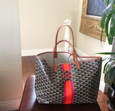 Goyard tote w stripe & monogram Goyard St Louis Tote, Goyard Bag, My Bags, Purses And Bags, Goyard Handbags, Beautiful Bags, Bag Accessories, Passion For Fashion, My Style